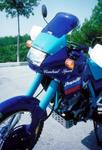 Ermax turistické plexi + 15 cm, 3 otvory - Honda Dominator 650 1988/1991 modré