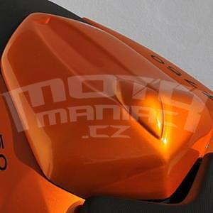 Ermax kryt sedla spolujezdce - Kawasaki Z750 2007-2012, 2010 amber metal (candy sparkling orange)